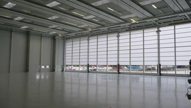 DLR - Flugzeughangar Flugbetrieb