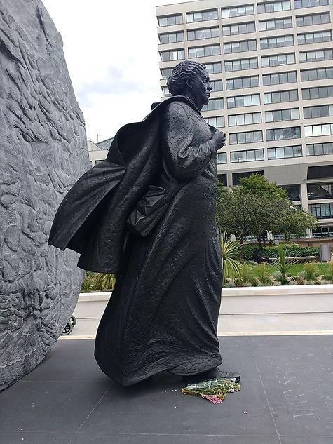 Mary_Seacole_statue,_St_Thomas'_Hospital