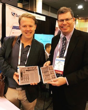 Dr. Jeffery and Dr. Couzen at the AAOS Conference