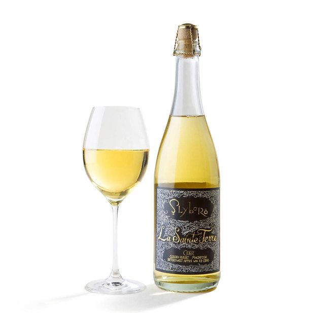 La Sainte Terre bottle and glass.jpg