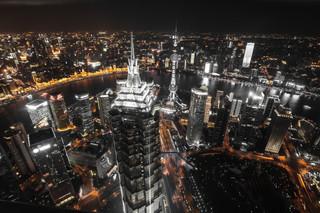 賀軍/「搶房」怪象充斥,中國房企市場已成高風險漩渦?