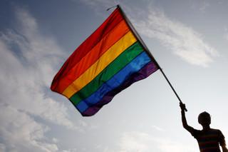 《公投第12案施行法》就是一部歧視性專法