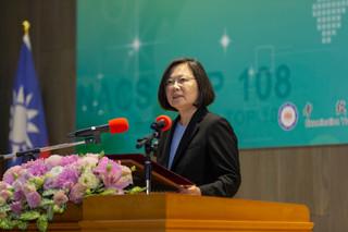 如何攻克沒理性的韓粉?從策略管理檢視台灣的領導與制度環境的關聯