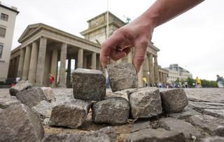 孤狗人生(22):拆除柏林圍牆幾家歡樂幾家愁
