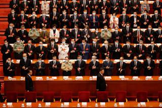 賀軍/核彈級兩會警訊?「六億人月收入僅一千元」抖落中國夢