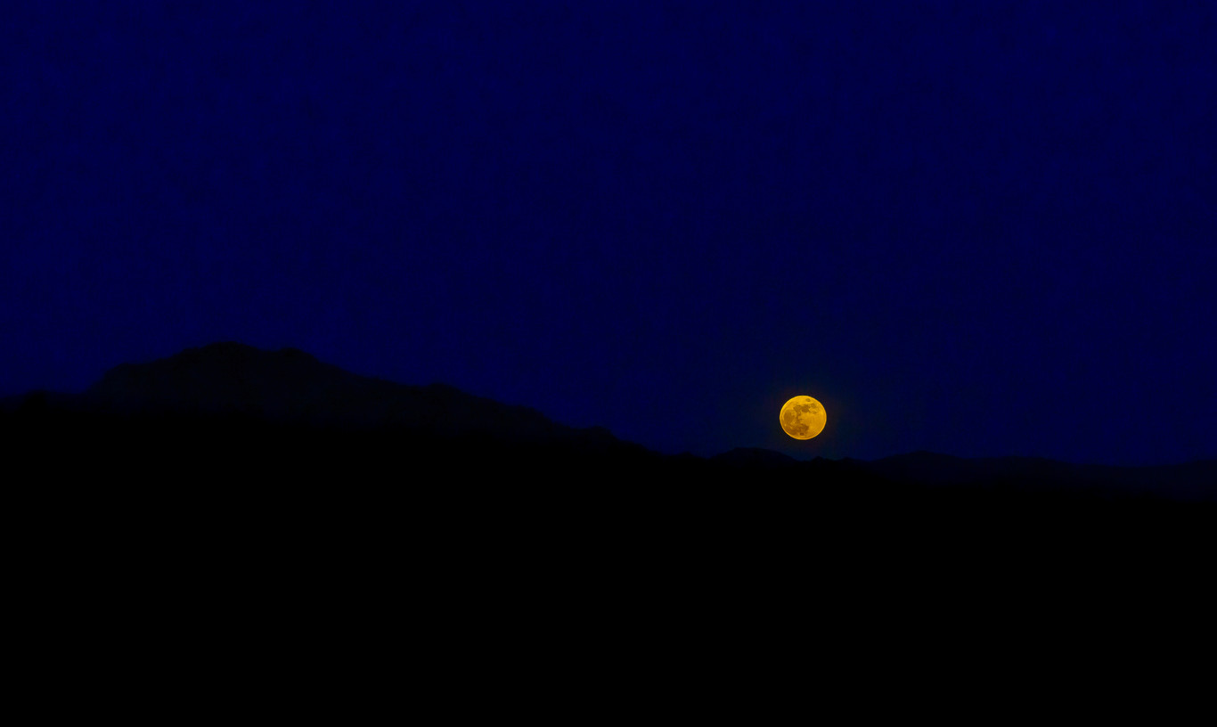 Full Moon Drama in the Desert