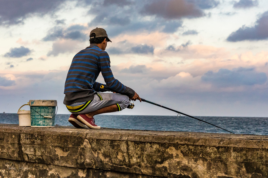 Fishing on El Malecon