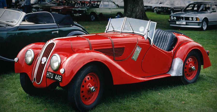 Rouge de voitures anciennes