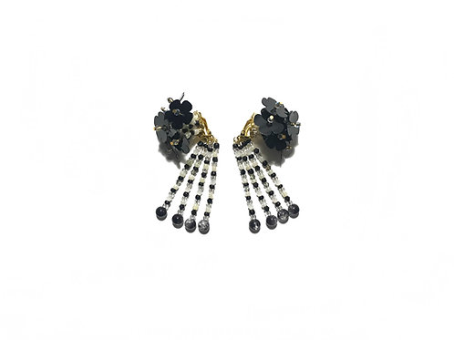 Hydrangea clip on earring - Black & white