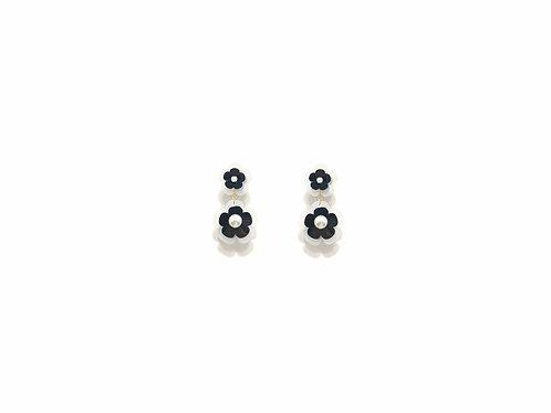 Mini fava earring