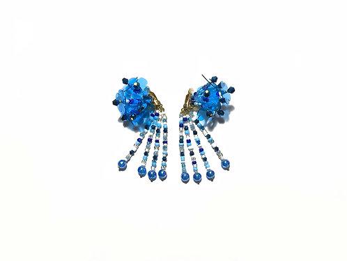 Hydrangea clip on earring - Blue