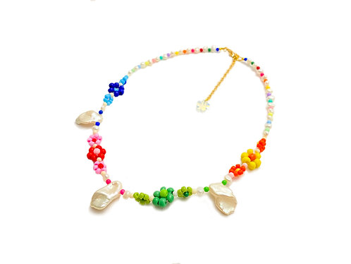 Candy fava necklace with water pearl