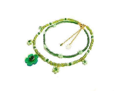 Beadi fava necklace x choker in fluorescent green(2pc)