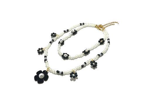 Beadi fava necklace x choker in Black & white (2pc)