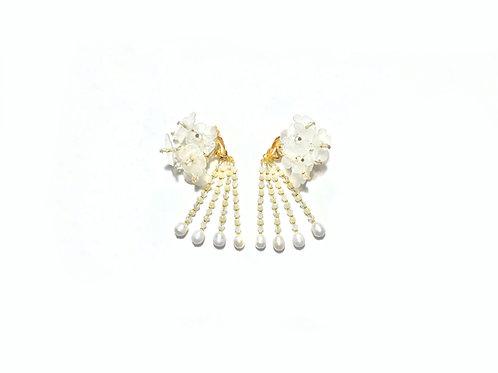 Hydrangea clip on earring - Pearl white