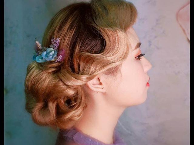 Makeup and hairdo photoshoot!📸_._._Retr