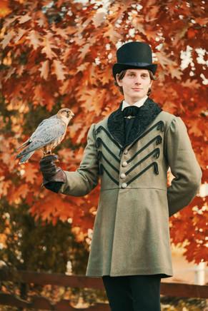 """""""Держа птицу на руке..."""""""