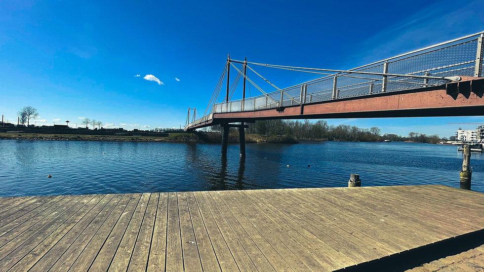 Brücke in Geesthacht in anderer Perspektive