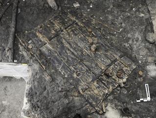 В Швейцарии нашли 5000-летнюю дверь