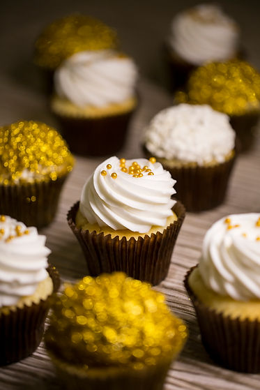 yummy golden cupcakes