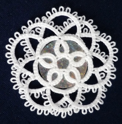 Flower with overlapping chains 1.jpg