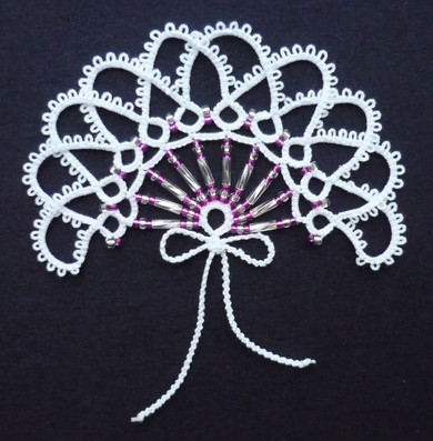 Beaded Fan with overlapping chains.jpg