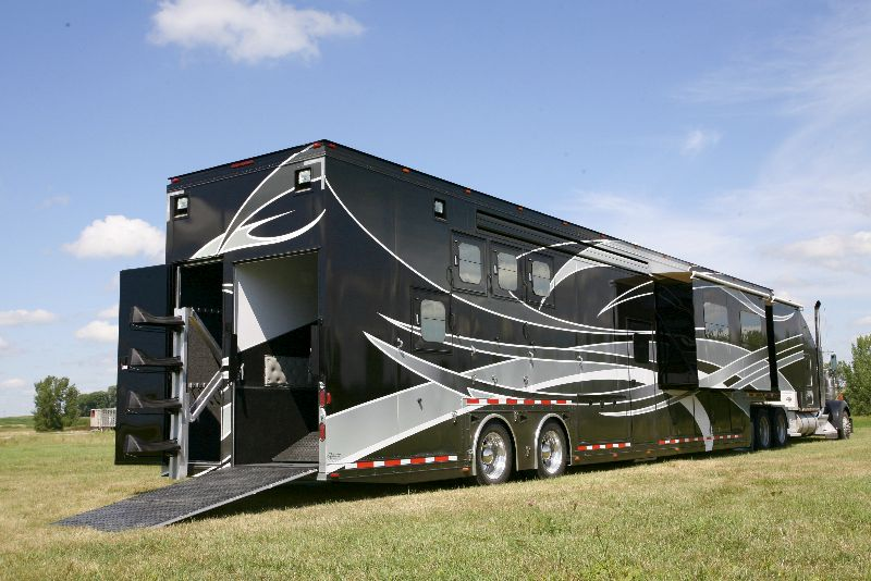 Country Estate Horse Trailers.jpg