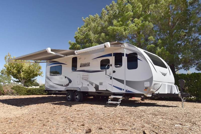 travel-trailers-2465-ExT2-2019.jpg