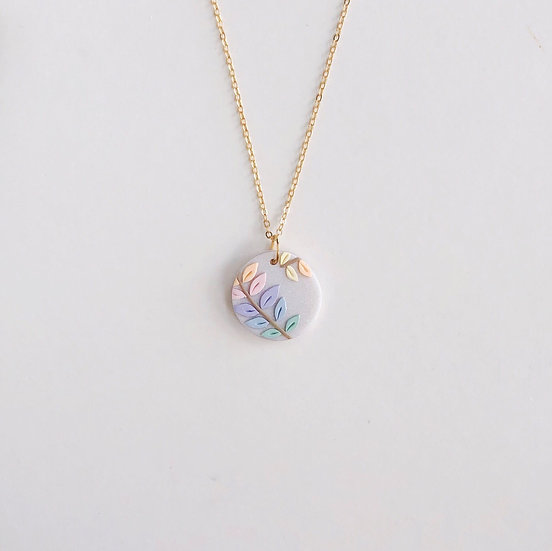 Pastel Leaves Small Circle Necklace 2
