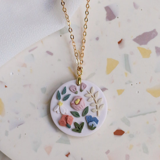 Garden Bloom Circle Necklace in Oat