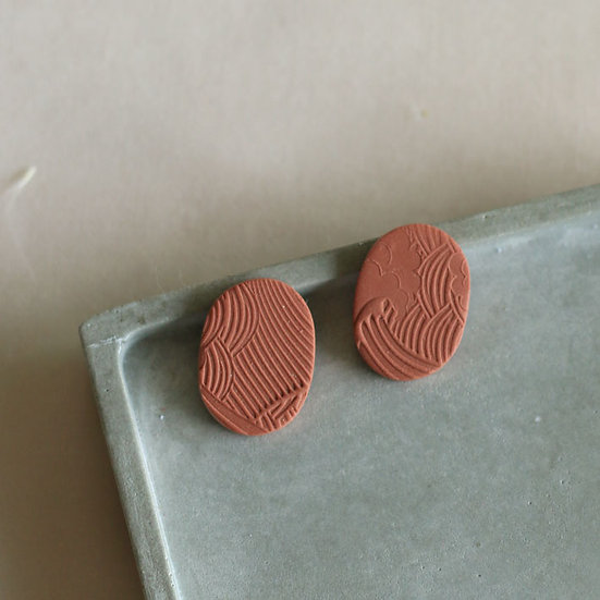 Waves Rust Oval Studs