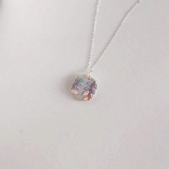 Pastel Leaves Small Circle Necklace