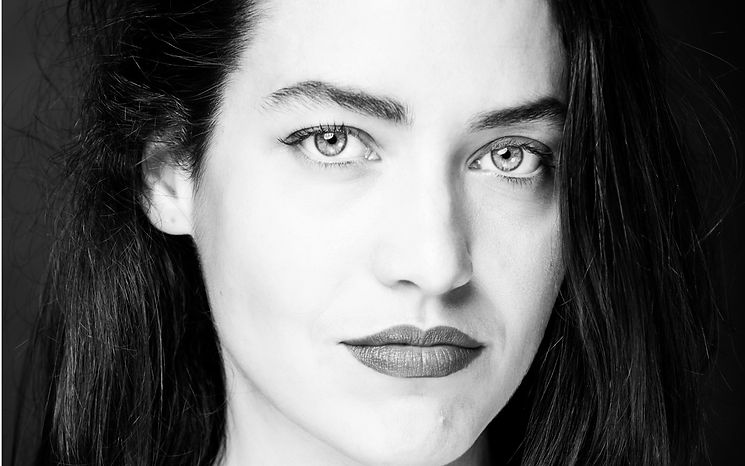 Tess Noir et Blanc-1_edited.jpg