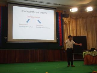 加藤教授がカンボジアのメンチェイ大学で招待講演を行いました。