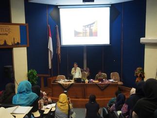 加藤教授が国立イスラーム大学で招待講演を行いました。