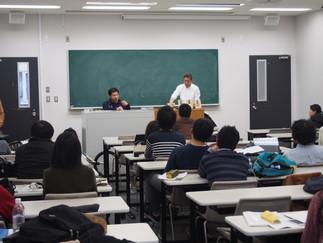 パラリンピック金メダリストの安岡チョーク選手が中央大学で講演を行いました。