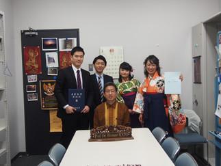 加藤ゼミの4人が卒業しました
