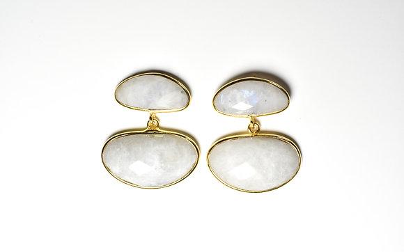 Penne earrings ; moonstone