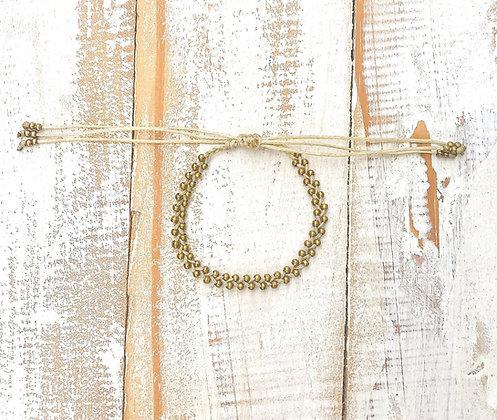 Tili white Macrame bracelet