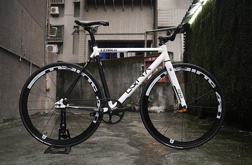 2021 Leader EQNX x Faith Complete Bike