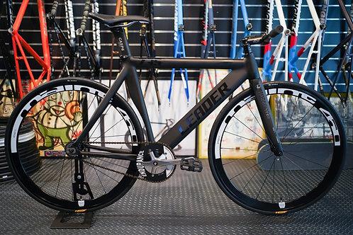 Leader 735 x Faith Complete Bike