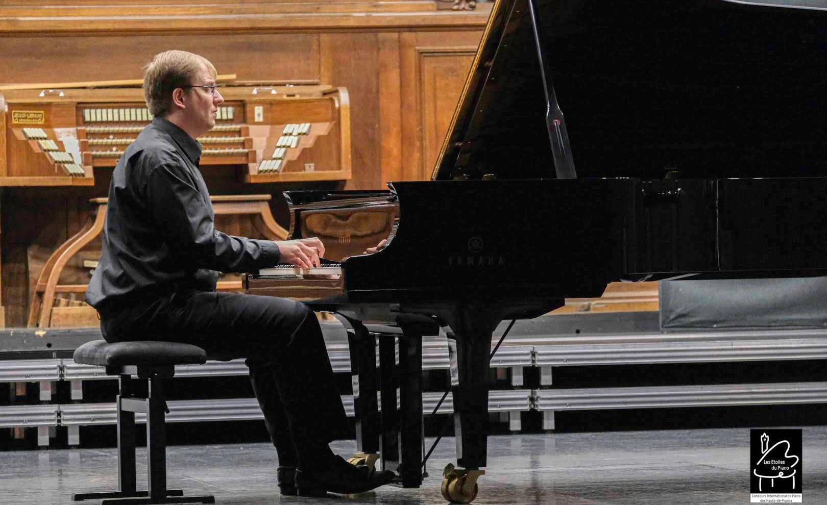 Vasilii Zobolotnii (Russie) 4ème prix des Etoiles du Piano en 2019, en audition