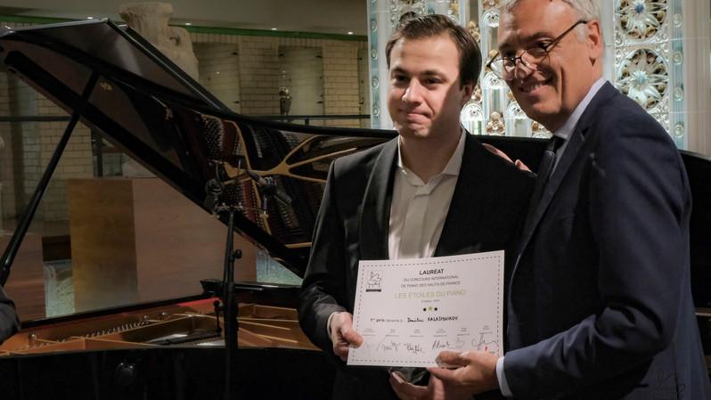 Dmitrii Kalashnikov (Russie) 1er prix des Etoiles du Piano en 2019 et Jean-Luc Reynaert, Caisse d'Epargne Hauts de France