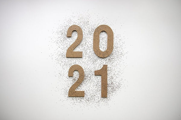 2021-wooden-numbers-with-glitter.jpg