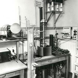 early_electron_microscope
