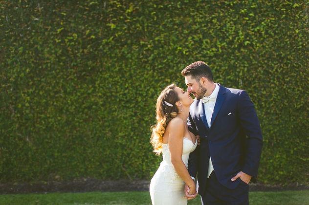 chic-white-wedding-strictly-weddings-2 c