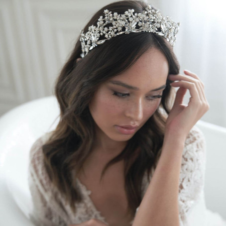 Complete Your Dream Bridal Look: How to Choose Your Bridal Headpiece
