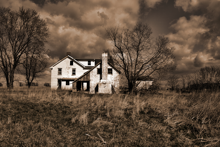 The Farm House In the Field
