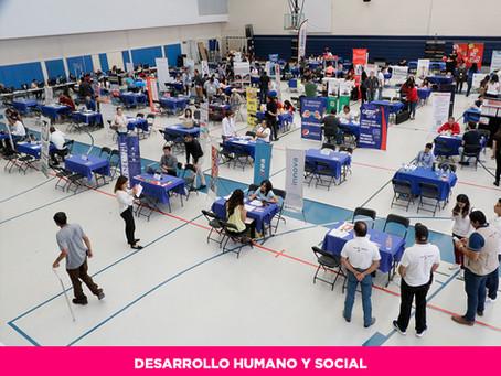 Acuden cientos de jóvenes a la Segunda Feria Nacional de Empleo en la capital del Estado