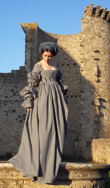 Robe 1520, coton, plissés, dessous basquine...